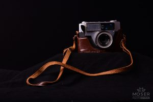 Alexis-Moser-product-photography-around-the-home-floating-vintage-camera