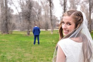Alexis-Moser_First-Look-Approaching-Bride-Peak-Back_WEB