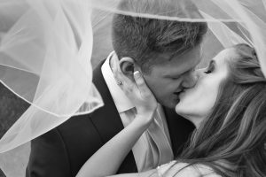 Alexis-Moser_First-Look-Veil-Kiss-BW_0800WEB