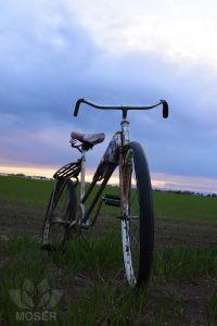 Alexis-Moser-transport-through-time-old-Bike-Front